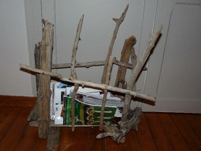 Exemple porte revue en bois flotte for Porte revues en bois